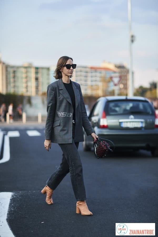 欧美街拍:今年早春穿这5款鞋,回头率高时尚还不撞鞋