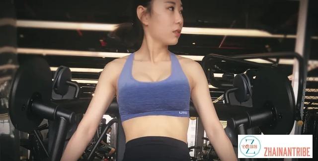 美女健身磨烂屁股,坚持10年练出完美身材,用她的方法你也可以